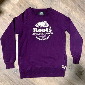 Roots Classic Logo crewneck sweater with POCKETS!